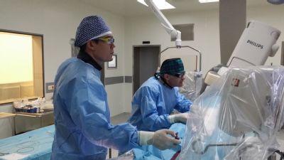 Lékaře Kardiologického centra AGEL v Pardubicích školil jeden z největším odborníků v intervenční kardiologii