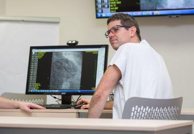Covid infarkt nezastaví, varují odborníci z Kardiologického centra AGEL v Pardubicích